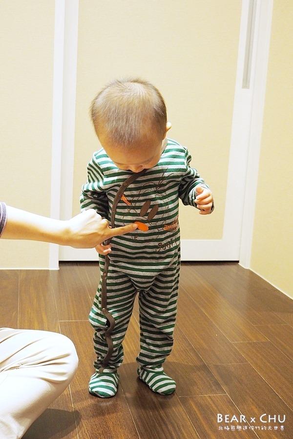麗嬰房Disney迪士尼baby擁抱宣言試穿體驗‧抓皺刷色彈性牛仔褲&高飛包腳連身裝