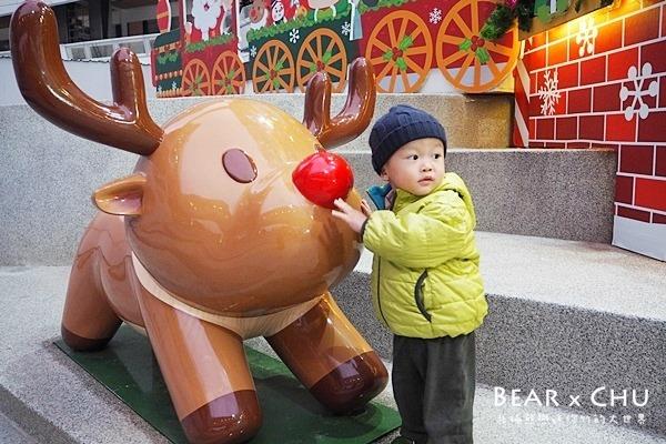 【熊寶1Y11M】台北聖誕樹遛小孩景點•南港中國信託金融園區廣場