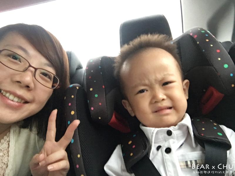 【寶寶成長日記】熊寶3歲10個月・搞怪拍照期、第一次幫忙拍照、新夥伴皮卡丘入手