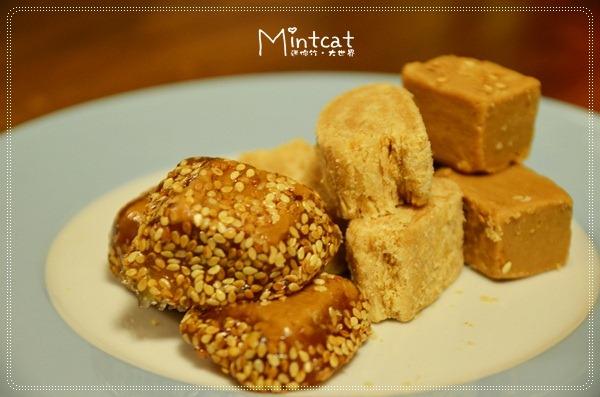 【金門伴手禮】豬腳貢糖是什麼?鹹的甜的?葷的素的?試吃金門天工貢糖