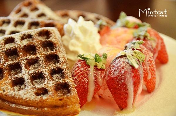 【台北信義區】Pond Burger‧草莓鬆餅、漢堡、班尼克蛋早午餐