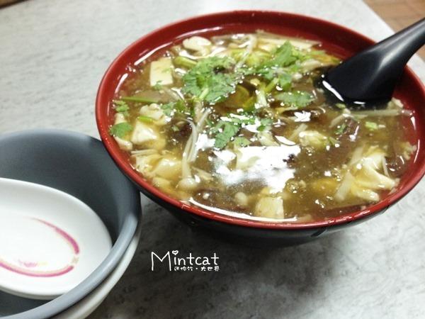 【龍岡美食】龍德小館排骨飯、酸辣湯