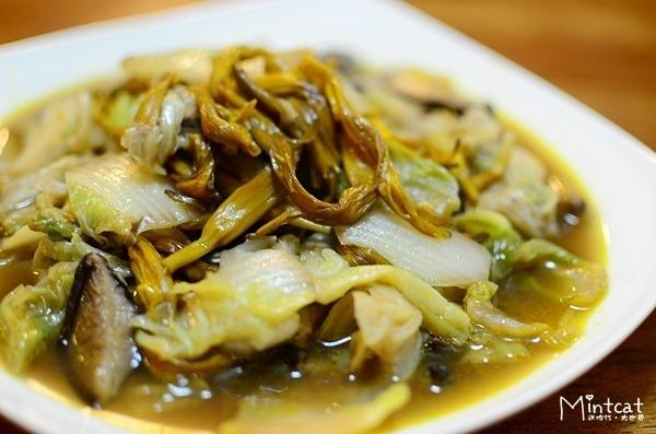 金針料理食譜│金針白菜煮‧台灣金針協會認證的無硫金針