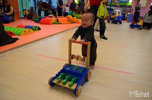 【寶寶成長日記】台北內湖親子館新開幕‧小熊寶親子館遊戲初體驗