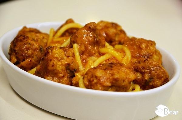 【食譜】義式番茄肉丸醬義大利麵•city'super義大利特級初榨冷壓橄欖油