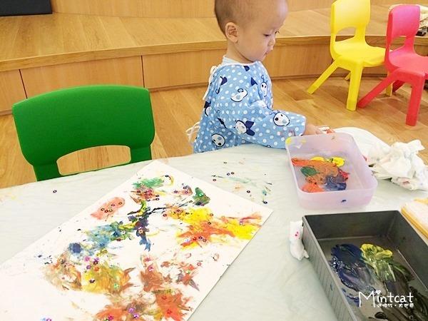 【熊寶1Y8M】行天宮親子班學習記錄・親子美術課手指水彩畫與手作煙火