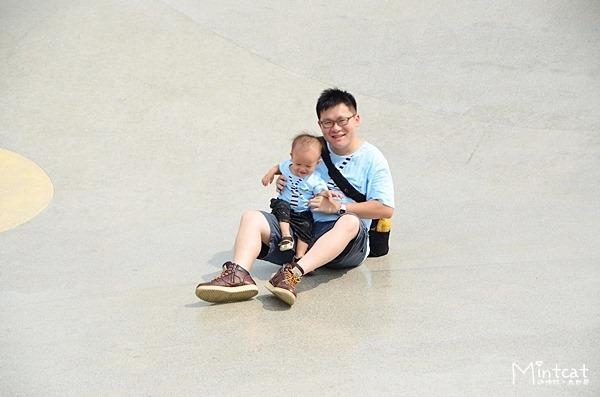 【宜蘭市附近景點】龍潭湖風景區孩子會上癮之大溜滑梯‧同場加映蝴蝶結與領帶親子裝
